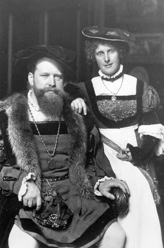 Dr. med. Rudolf von Wild mit Frau Magret von Wild 8 April 1905 im Kostüm für das Altstadtfest